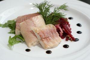 Potrebujeme: 600 g rybacieho filé, 250 g miešanej zeleniny (zelená...