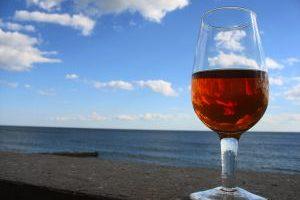 Nalejme si vína!