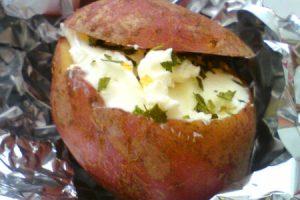 Plnené zemiaky v alobale