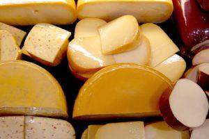 Syry dokážu zvýšiť cholesterol, ale aj znížiť počet kazov