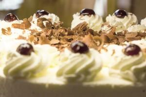 Nepečená višňová torta