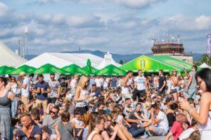 Grape 2016 bol plný zážitkov avychladeného osvieženia – 7. ročník hudobného festivalu Grape zožal úspech vďaka skvelej hudbe atiež kvalitnému pivu