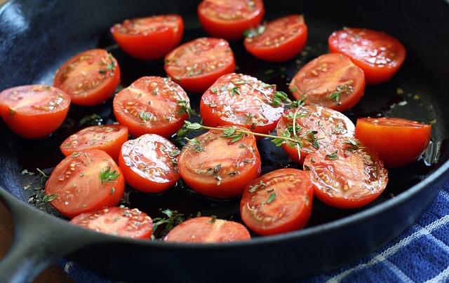 tomatoes-1476093_640