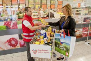 Viac ako 36 ton darovaných potravín pre ľudí vnúdzi
