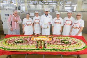 PENAM oslávil Svetový deň chleba tretím rekordom –obrím obloženým chlebíkom