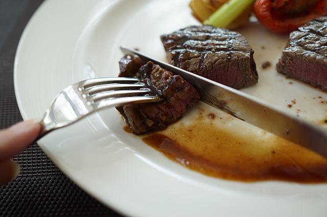 steak-978666_640