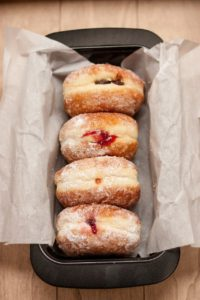 donuts-926642_1280