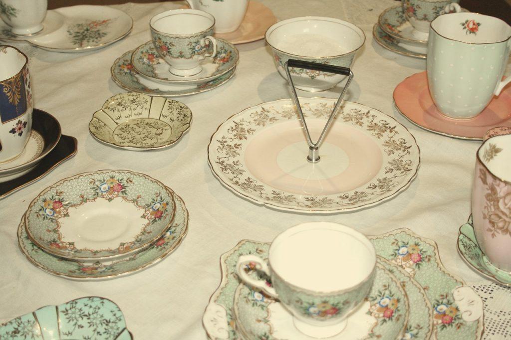 tea-set-382807_1280