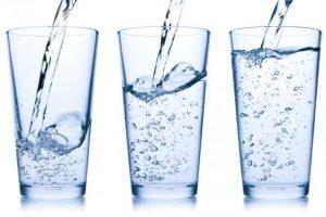 3 chyby v pitnom režime, ktorých sa dopúšťate počas zimy. Nezabudnite na Budiš!