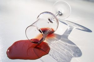 red-wine-spill-spot-glass-red-liqueur-alcohol