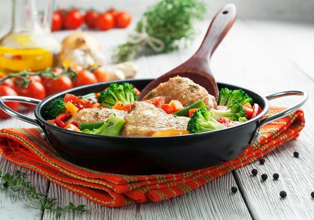 Pečené kuracie zo zeleninou