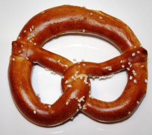 oktoberfest-pretzel-eat-gastronomy-bavarian