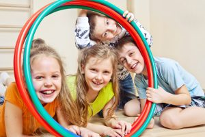Slováci sa v prieskume zhodli na tom, že pohyb iba na telesnej výchove deťom nestačí
