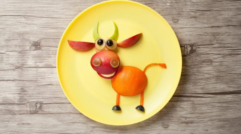 býk z ovocia