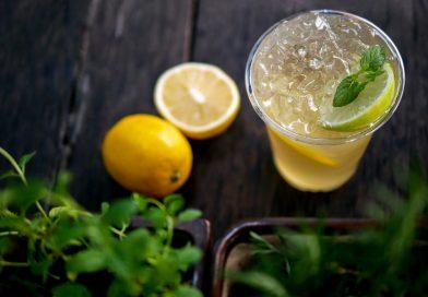 citrónový koktail s medom
