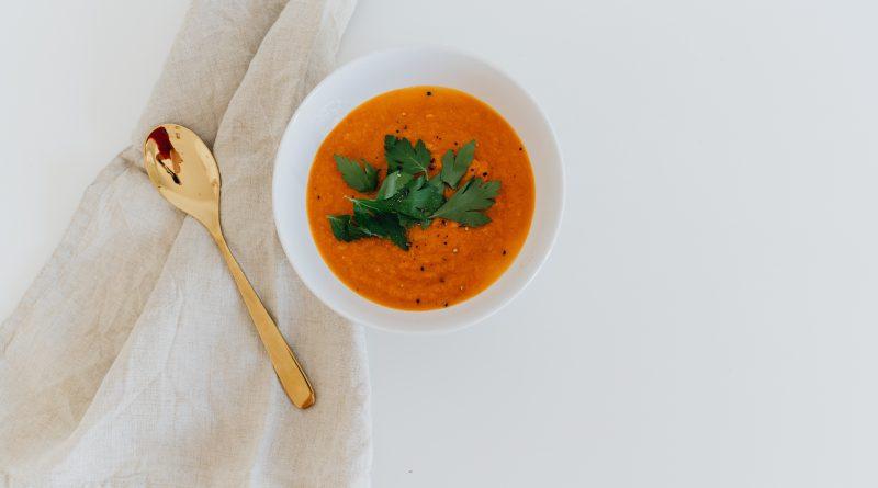 mrkvová polievka s batátom
